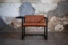 Dark-Horse_Wrap-Armchair_Black_Hazelnut_01_insert