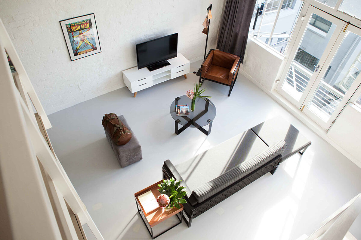 2020-Boss-Couch_Apartment-View